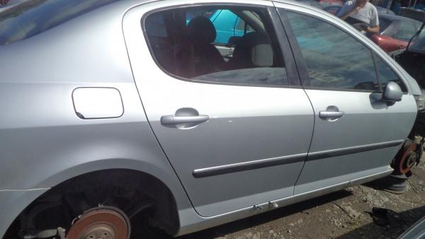 Peugeot 407 (1)